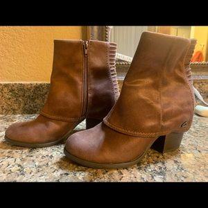 Fergalicious round toe ankle booties